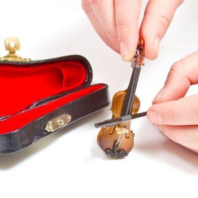 Worlds-Tiniest-Violin-nvj3bur6zi1i98u85ejom8m0vdka6bm1h1uhllr1c8